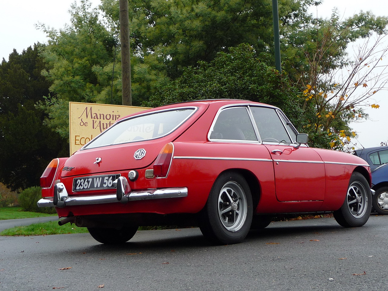 mg b gt 1971 flame red mgb gt occasion annonce vente video mgb gt british. Black Bedroom Furniture Sets. Home Design Ideas