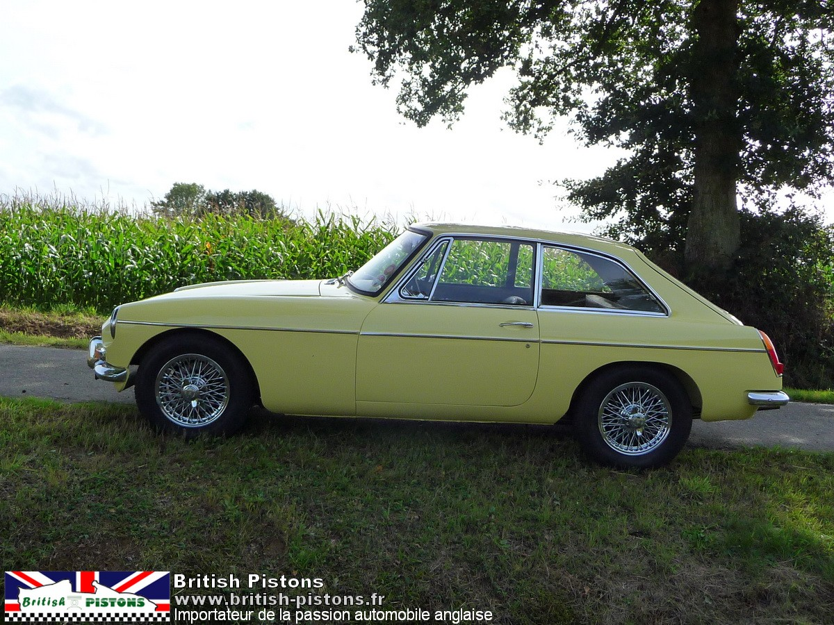 mg b gt 1968 primrose yellow mgb gt occasion annonce vente mgb gt british. Black Bedroom Furniture Sets. Home Design Ideas