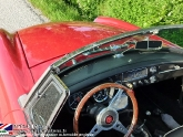 location-mg-b-mgb-roadster-08.jpg