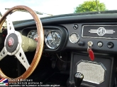 location-mg-b-mgb-roadster-47.jpg
