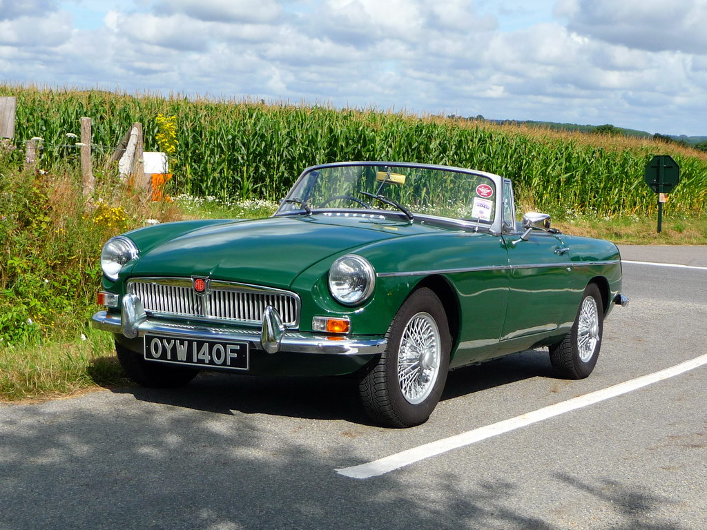 annonce mg b vente mgb 1968 british racing green bristol video mgb british. Black Bedroom Furniture Sets. Home Design Ideas