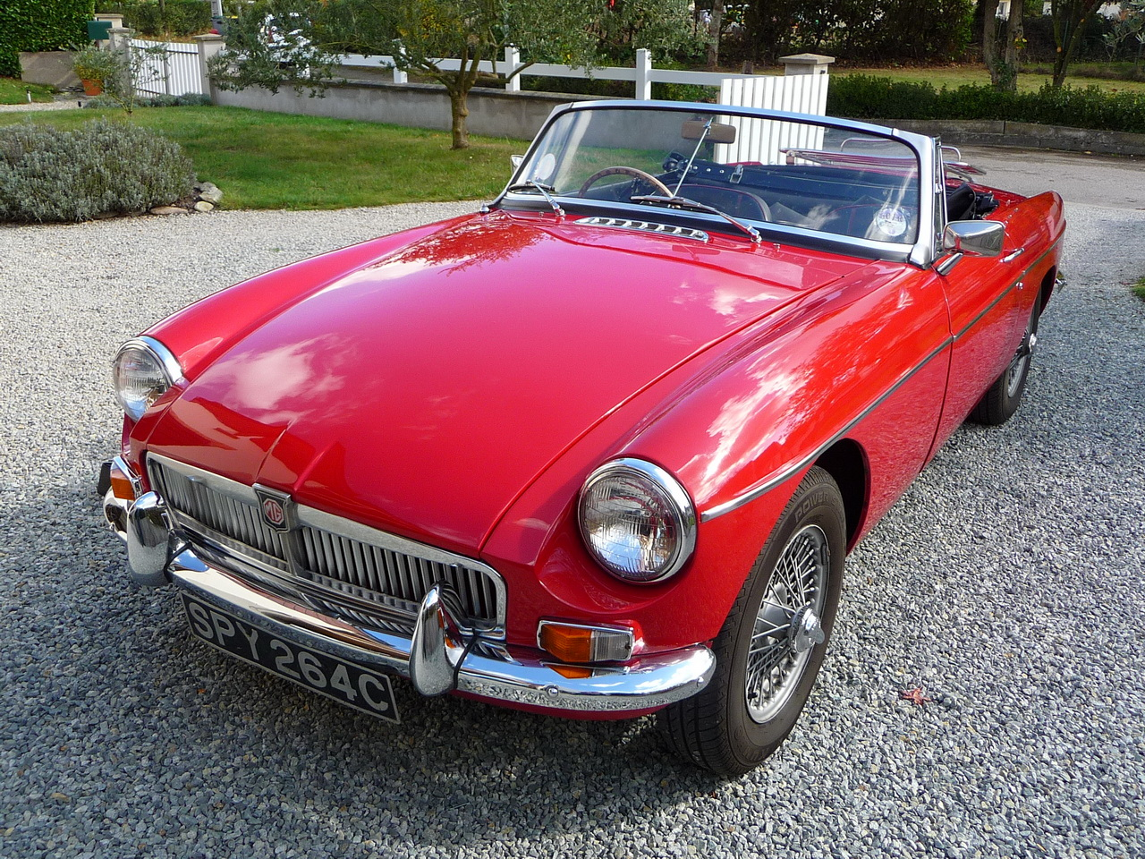 annonce mg b vente mgb roadster 1965 tartan red video mgb british annonces. Black Bedroom Furniture Sets. Home Design Ideas
